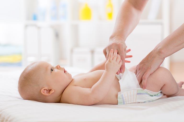 astuces pour aider bébé a se debarrasser des couches