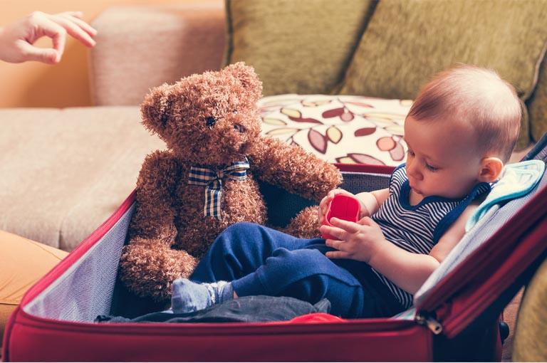 Bien préparer la valise de bébé pour les vacances