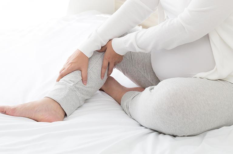 5-conseils-contre-les-pieds-gonfles-pendant-la-grossesse