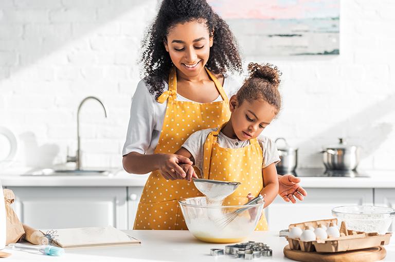 pourquoi-encourager-les-enfants-a-faire-la-cuisine-voici-5-bonnes-raisons