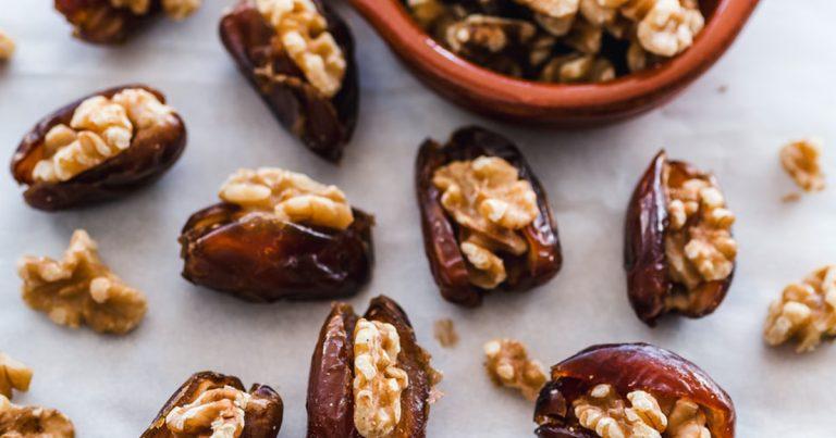 enceinte-comment-ajouter-les-dattes-a-vos-repas-pendant-le-ramadan