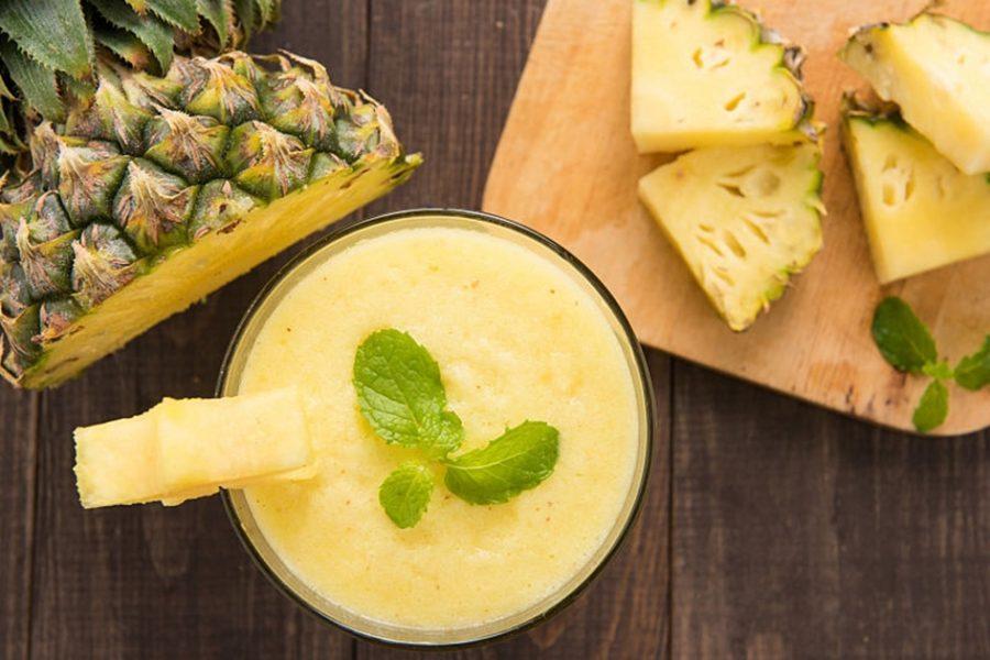 delicieux-smoothie-exotique-ananas-banane